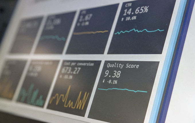 Monitor with statistics